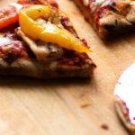 Nóż do krojenia pizzy, radełko, kółko do krojenia - 3 nazwy, jedno zastosowanie.