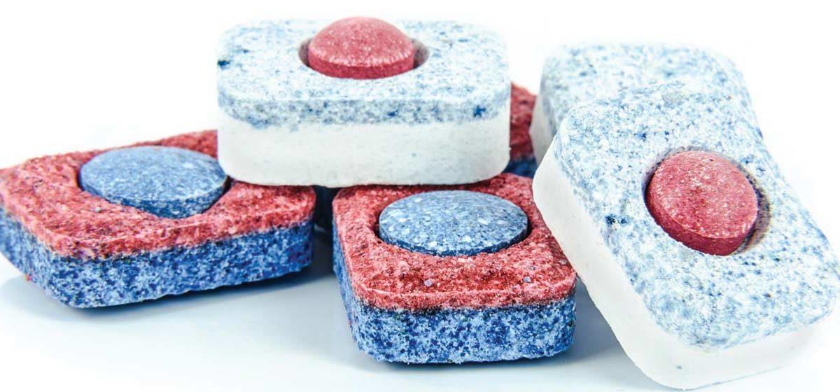 Tabletki do zmywarki – rodzaje, zastosowanie oraz skład. Jakie wybrać i kupić?