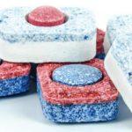 Wybór odpowiednich tabletek do zmywarki jest niezwykle ważny. Jeżeli wybierzemy źle, to możemy być niezadowoleni z efektów zmywania.