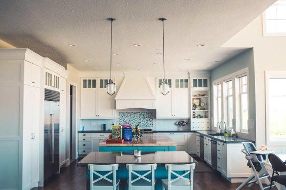 Okap do zabudowy to idealne rozwiązanie dla osób, które mają modną i nowoczesną kuchnię i nie chcą jej szpecić wątpliwym wyglądem okapu.